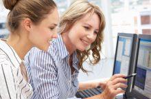businesswomen-working-on-computers