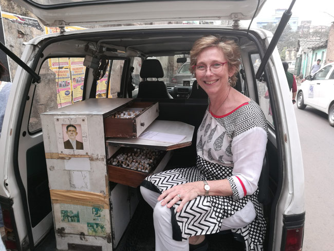 Susan Blackshaw in the mobile dispensary of the calcutta slum Project